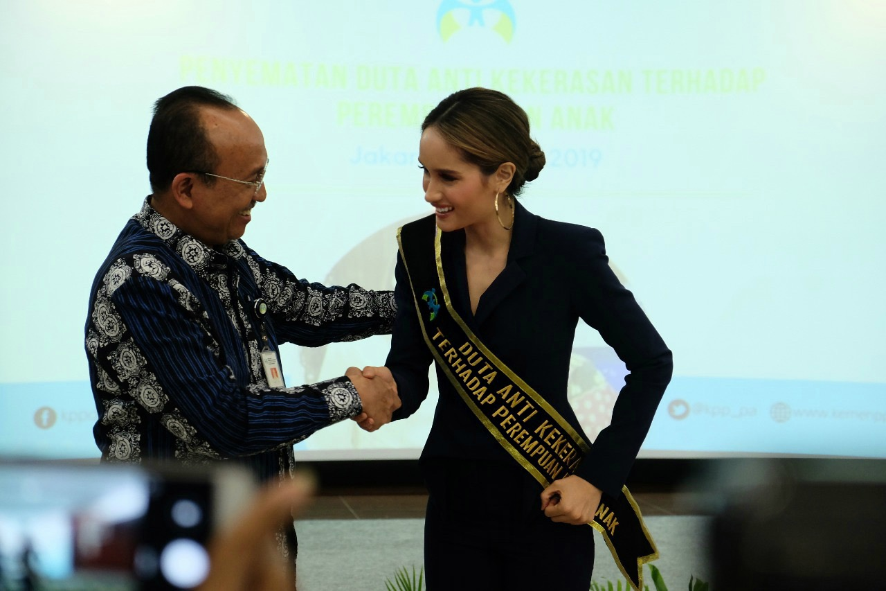 Dubbing ceremony as the Ambassador Of Anti-violence Against Women and Children.